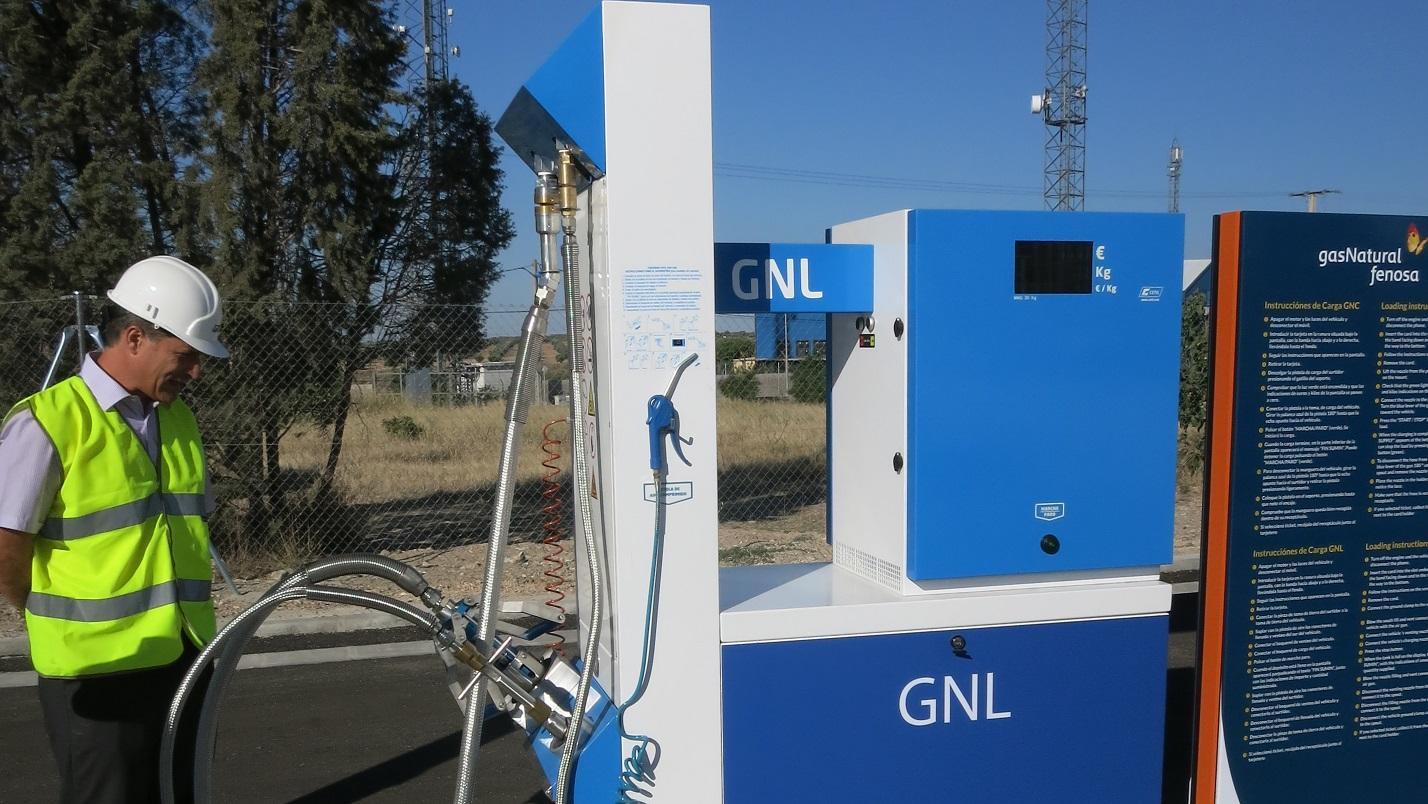 Cómo repostar gas natural comprimido (GNC) y licuado (GNL)